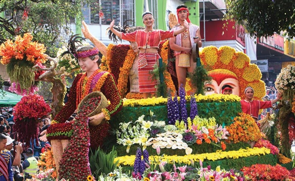 BAGUIO.  A non-competing float showcases the rich flora and fauna of the Cordilleras during the grand float parade of the Baguio Flower Festival. (Milo Brioso)