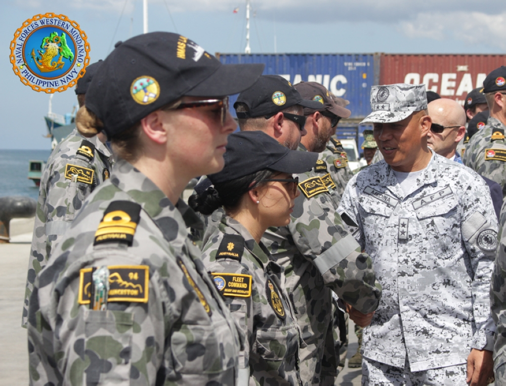 ZAMBOANGA. Rear Admiral Rene Medina, Naval Forces Western Mindanao Command chief, welcomes the Royal Australian Navy contingent to the 21-day 2nd PN-RAN Maritime Security Engagement that reeled off on Tuesday, March 13. (Navforwem photo)