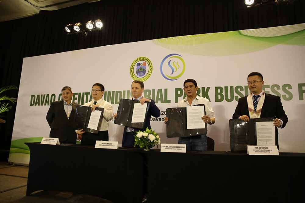 DAVAO. A Memorandum of Understanding was inked on March 20, 2018 at the Marco Polo Davao for the Davao Oriental Industrial Park led by Asllan Jaku, CEO of Pionaire Finance Limited (third from left) and Davao Oriental Governor Nelson Dayanghirang (fourth from left). (Photo by Eden Jhan Licayan)