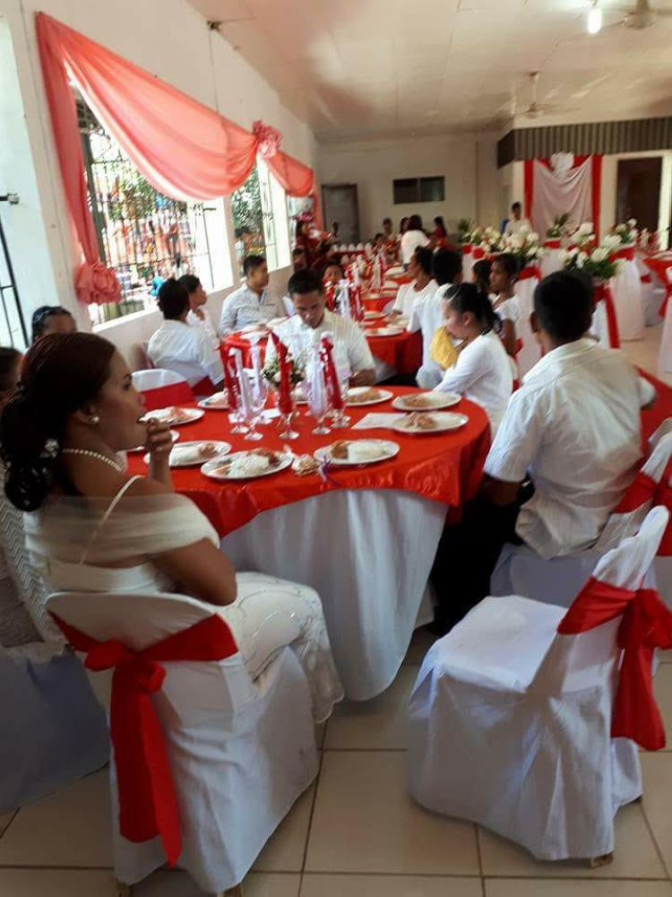 NEGROS OCCIDENTAL. After the wedding, the couples were treated to a grand reception.