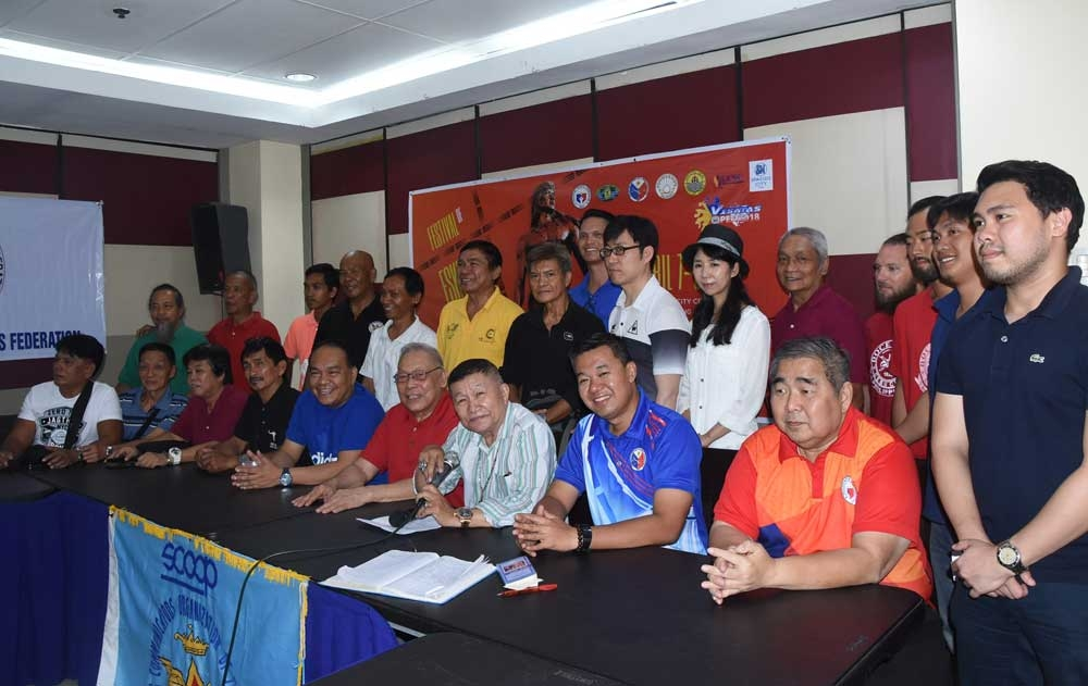 First. GM Dionisio Cañete (center, first row) says it will be the first time that as many as 40 grandmasters will be in one event to promote the sport. (SunStar Foto/Ruel Rosello)