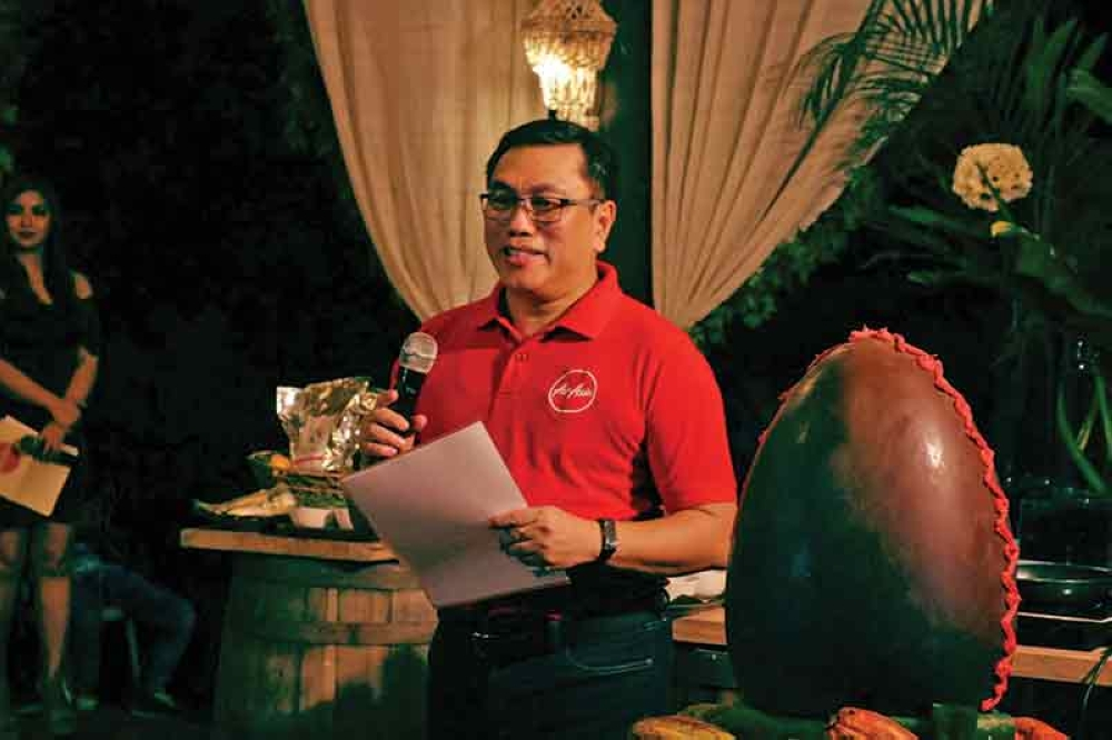 DAVAO. AirAsia Philippines president and CEO Dexter Comendador urged local and foreign tourists to discover the wonders of Mindanao following the closure of Boracay. (Ace June Rell S. Perez)
