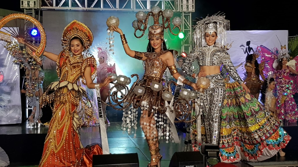 BACOLOD. The top three winners of the Festival Costume Competition held Sunday at Robinsons Place CityWalk in Bacolod City. They are Le'Ann Marie Gayatin of Cauayan, Yasmine Cabalfin of Hinigaran and Lawrellie Cay Allen of Murcia, whose costume also won the Best Festival Costume Design. (Carla N. Cañet)