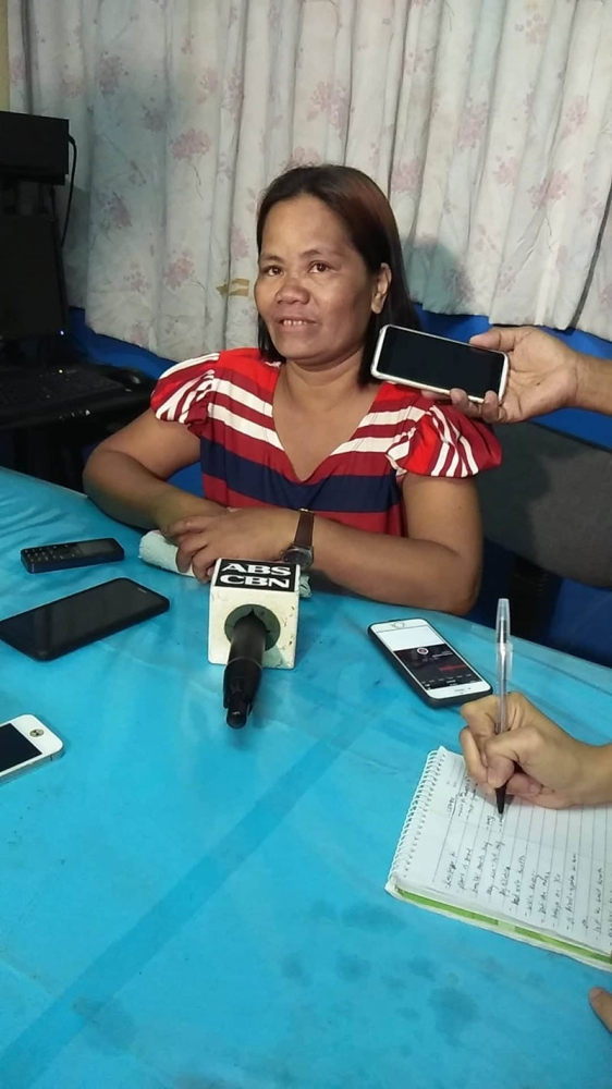 BACOLOD. Rogelia Landao who is the partner of Antonio Padua and mother of seven-year-old Re-An, who were both allegedly stabbed and burned to death by Aguilar inside their house at Barangay Kapitan Ramon Monday night.