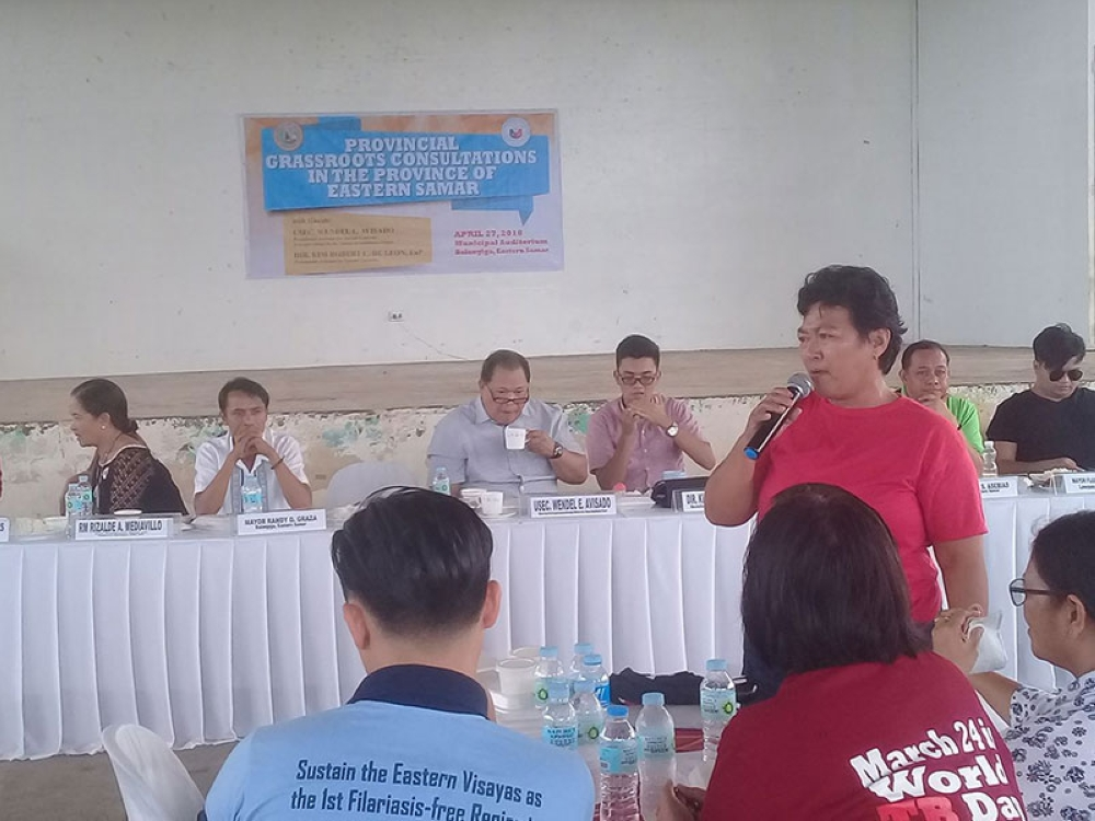 BALANGIGA. Lita Bagunas, Yolanda survivor and leader of Uswag-Esti, complains about the delayed and substandard housing in Eastern Samar during the provincial grassroot consultation in Balangiga, Eastern Samar last Friday, April 27. (Ronald Reyes)