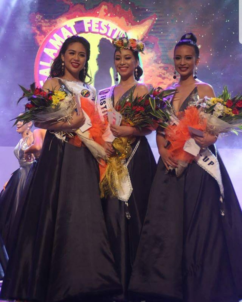 BACOLOD. The newly-crowned 2018 Pasalamat Festival Queen Aragen Rojero Aragen Rojero flaked by first runner-up Vina Marie Peña and second runner-up Jan Marie Bordon. (Contributed Photo)