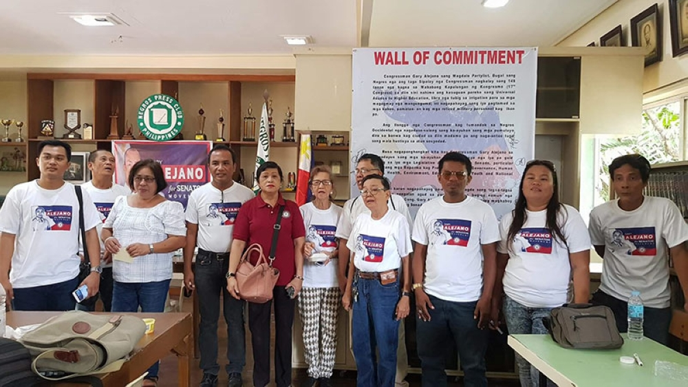 """BACOLOD. Members of the """"Gary Alejano for Senator"""" movement in a press conference Friday at the Negros Press Club in Bacolod City. (Carla N. Cañet)"""
