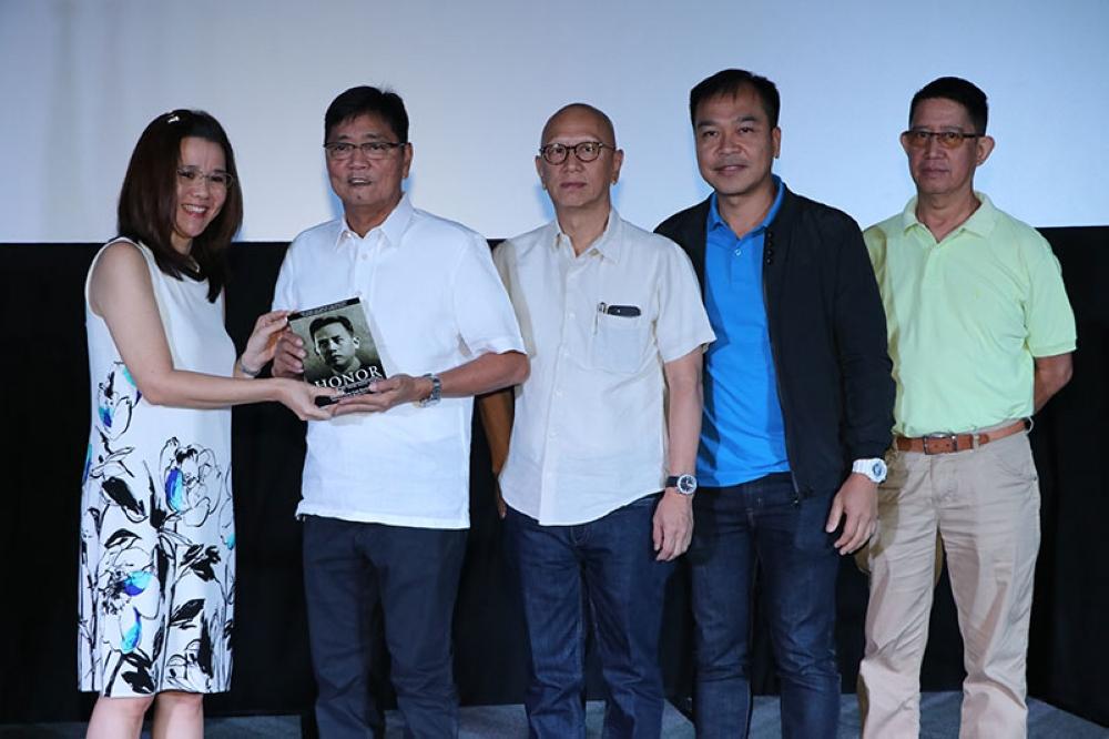 PAMPANGA. City of San Fernando Mayor Edwin Santiago receives a copy of the book of the book