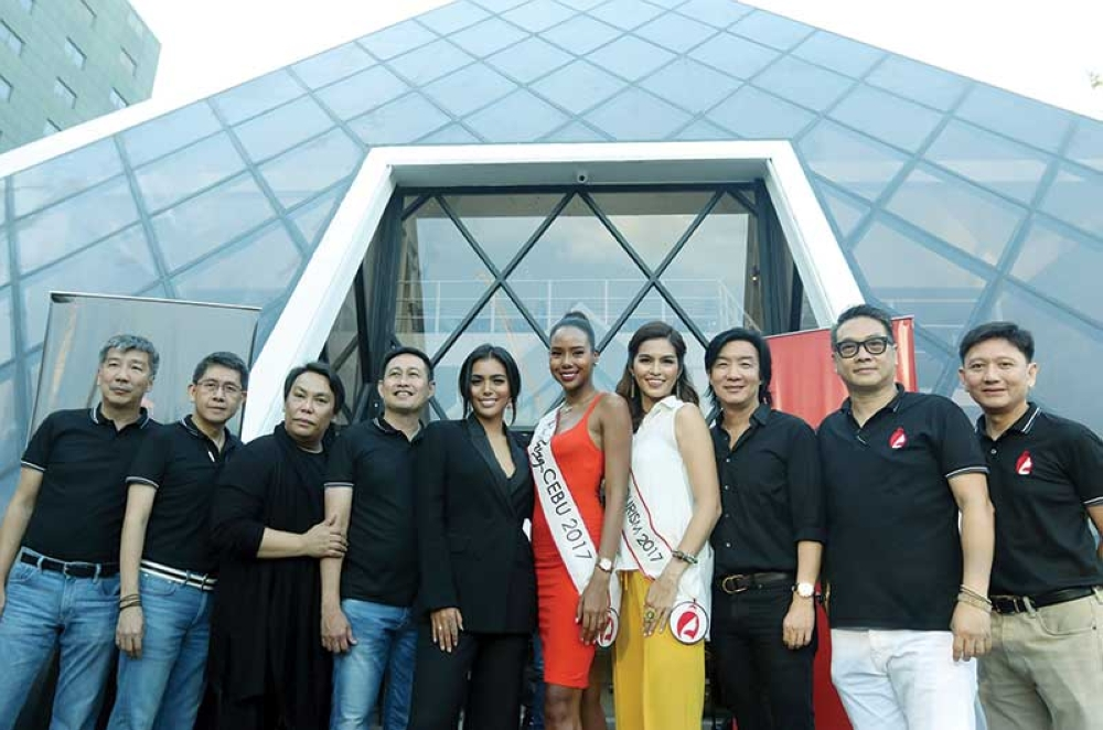 Let's do this again! The Binibining Cebu 2018 court and the organizers of the pageant are ready to do it again. (SunStar photo / Alex Badayos)