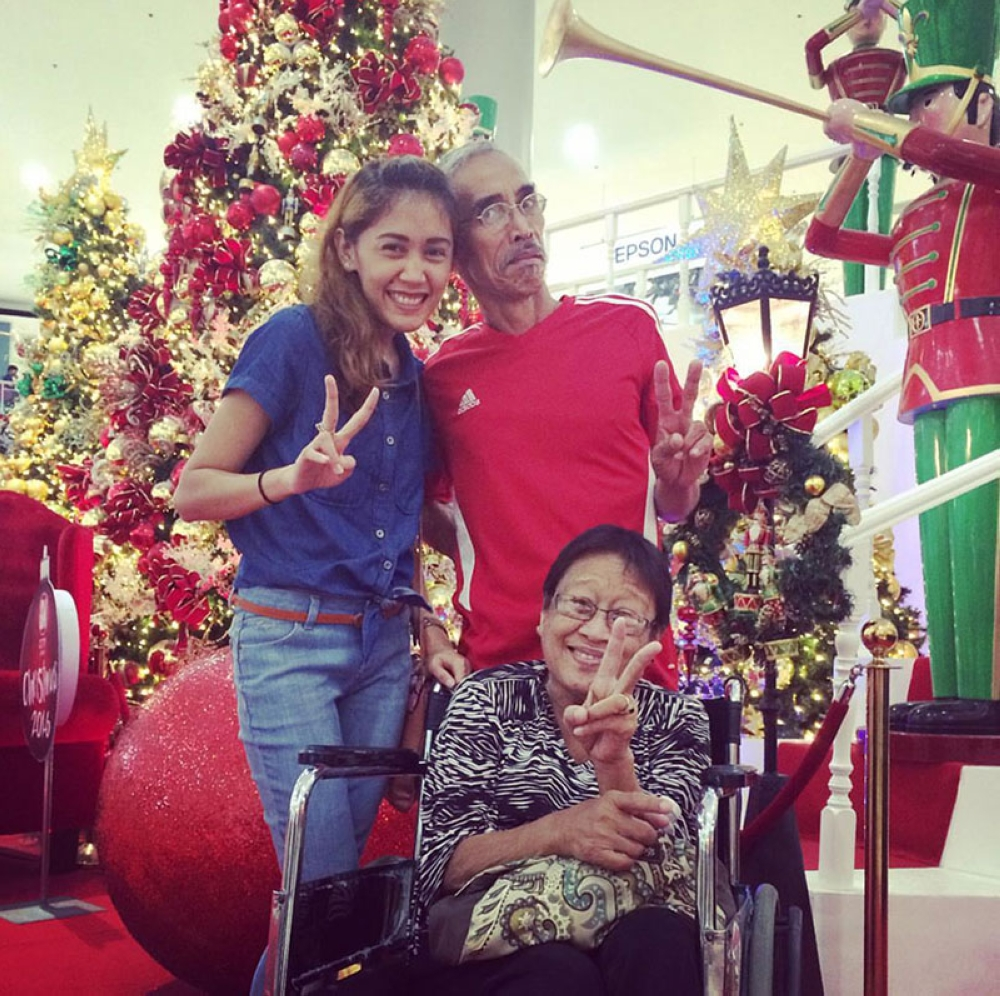 Mama Ging with her daughter Imee and husband. (Contributed photo)