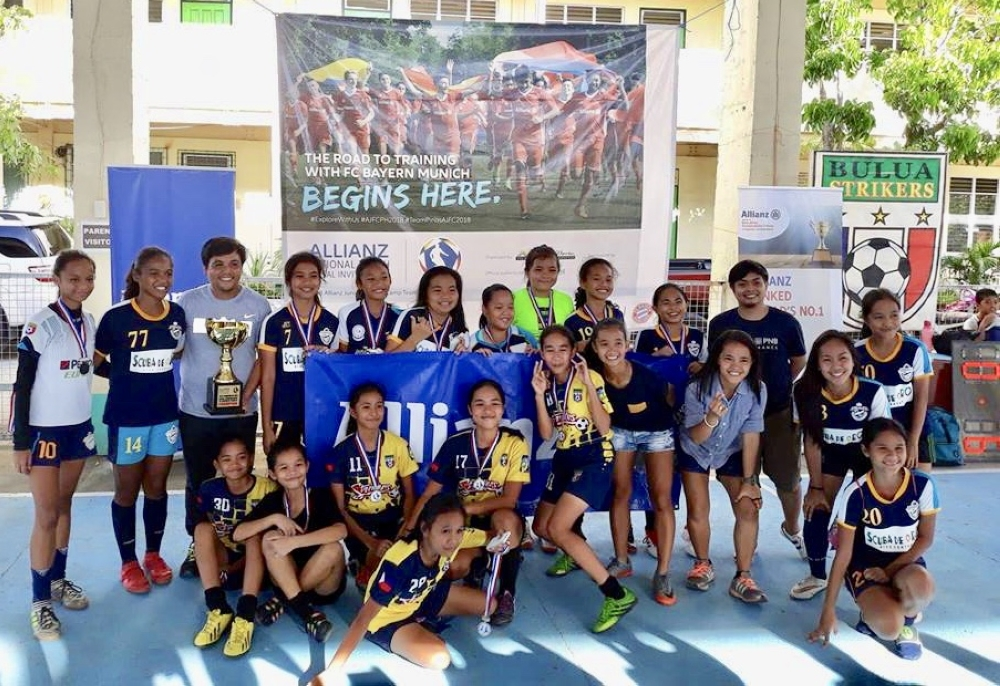 CAGAYAN DE ORO. Champion Higala FC and runner-up Bulua Strikers FC in the Girls U14 category pose during the awarding ceremony of the Allianz PNB National Futsal Championship Cagayan de Oro leg. (Contributed photo)
