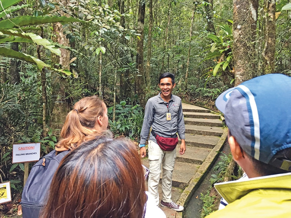 Our tour experience with Amazing Borneo with our friendly tour guide.