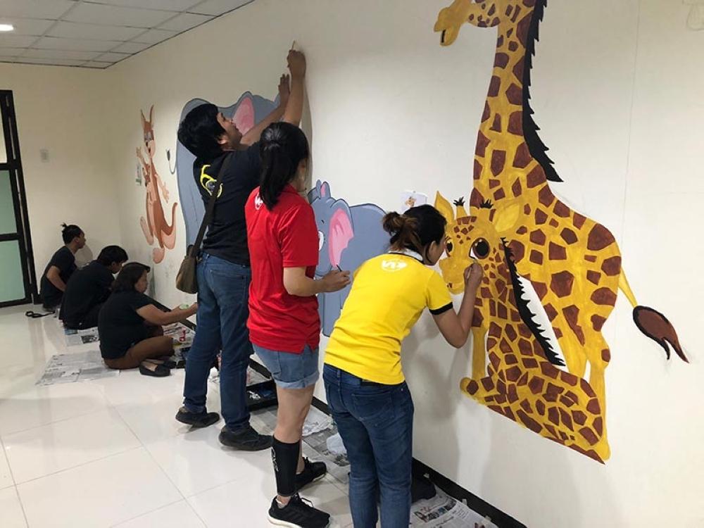 Davao architects create murals at SPMC - SUNSTAR