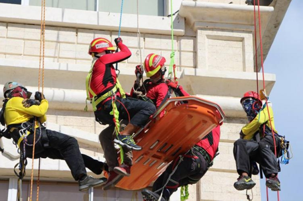 CEBU. In this photo taken in July 2016, emergency responders show their skills during the Central Visayas Rescue Olympics. (File Photo)