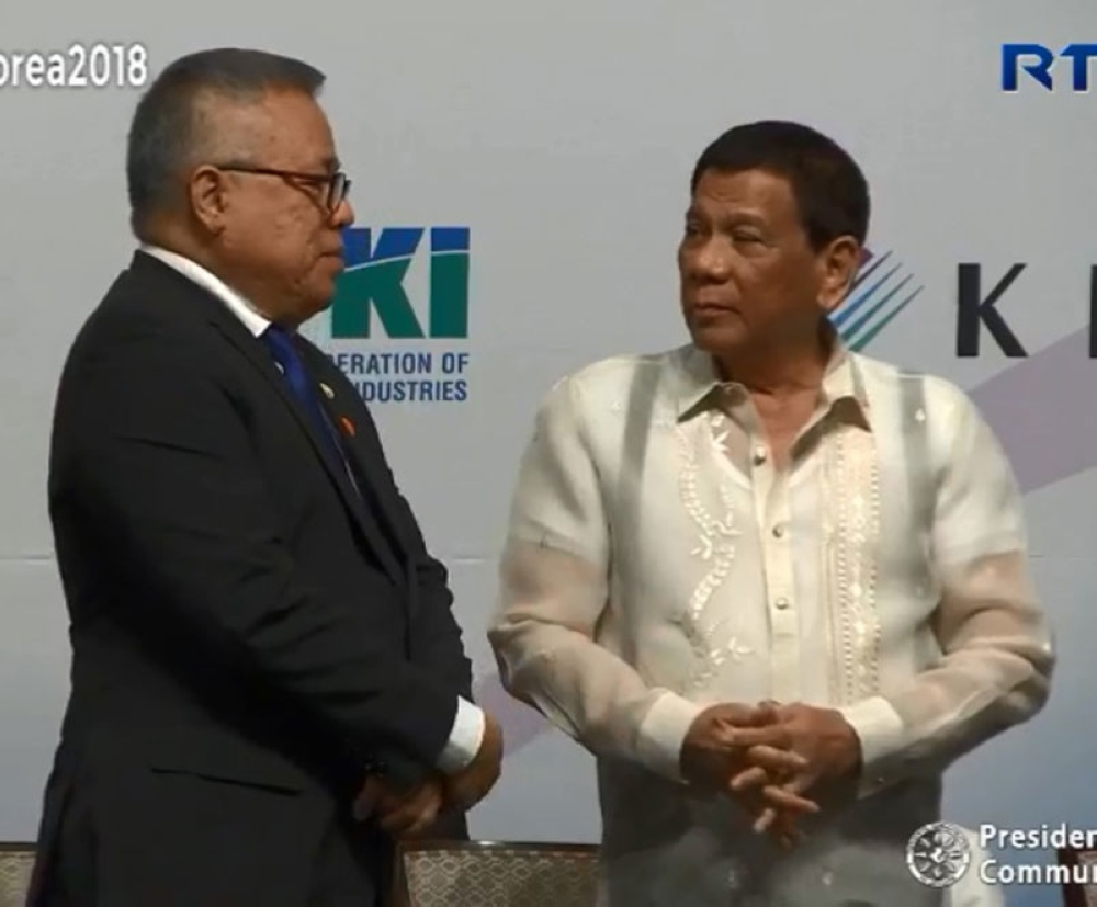 SEOUL. President Rodrigo Duterte and Trade Secretary Ramon Lopez (left) attend the Philippines-Korea Business Forum in Seoul on June 5, 2018. (Grabbed from RTVM video)