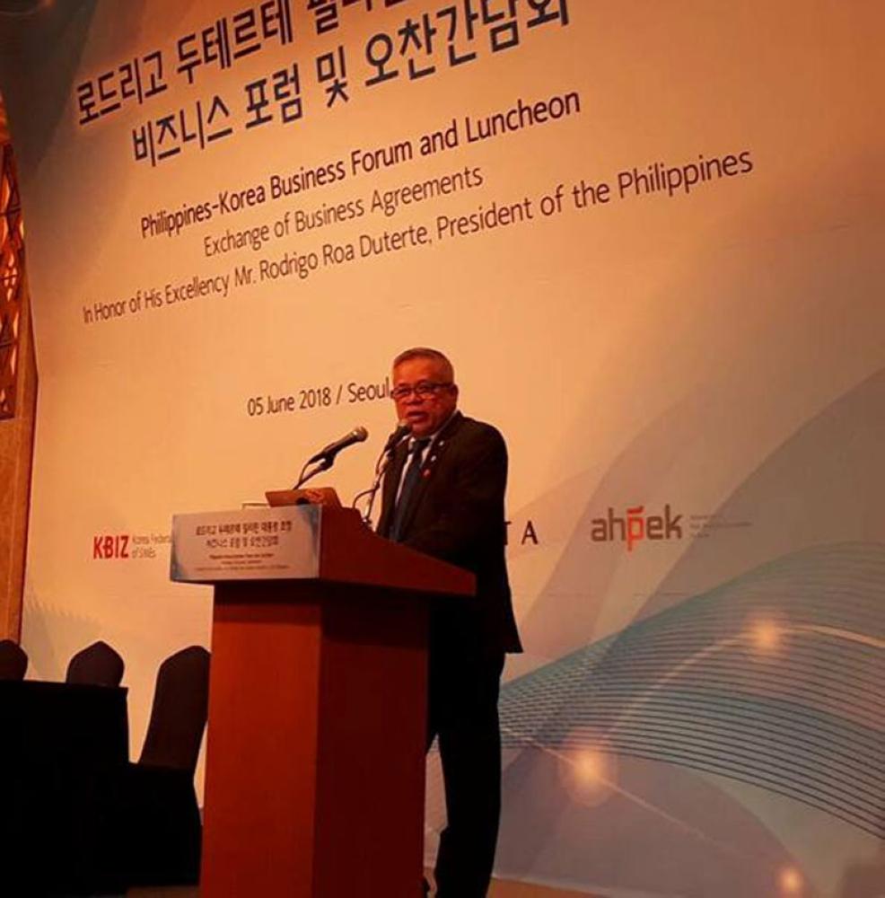 SEOUL. Trade Secretary Ramon Lopez speaks during the Philippines-Korea Business Forum during President Rodrigo Duterte's official visit in South Korea on June 5, 2018. (DTI Facebook photo)