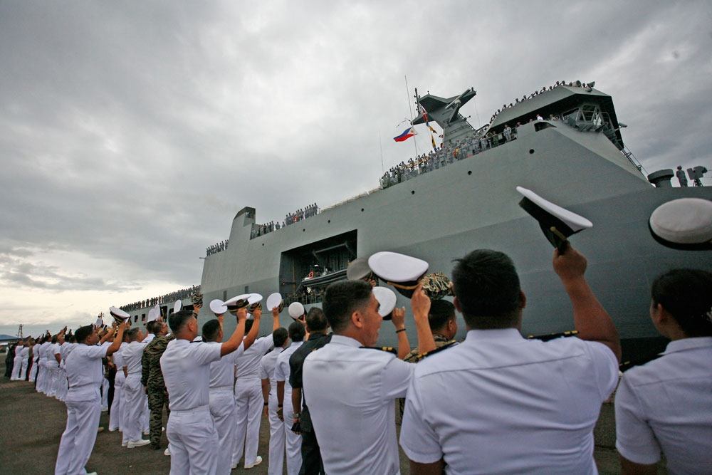 Away for 3 months. Some 700 Philippine Navy personnel leave Cebu on the BRP Davao del Sur (LD 602) for an international naval exercise in Hawaii. (Contributed Foto/Naval Forces Central)