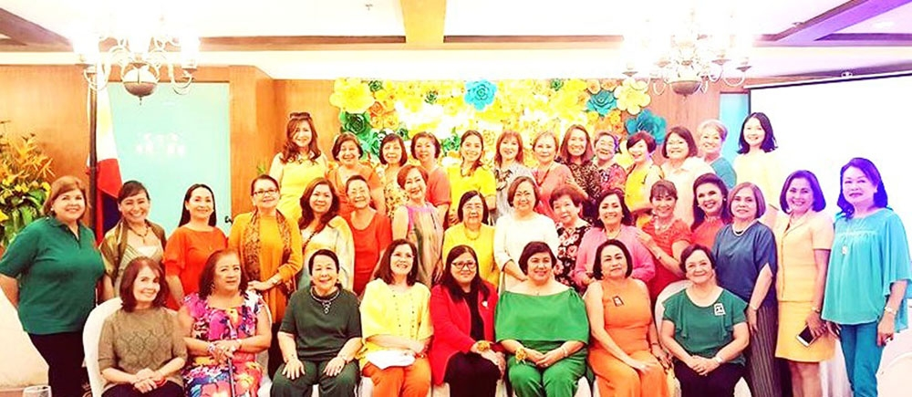 New officers. Zonta Club Cebu II new officers led by President Marilou Cañizares were inducted last May 5 by outgoing Area 3 Director Josephine Go at the Casino Español de Cebu.  They are joined in this group photo by its members as well as officers of Zonta Club Cebu I, their mother club. (Contributed Foto)