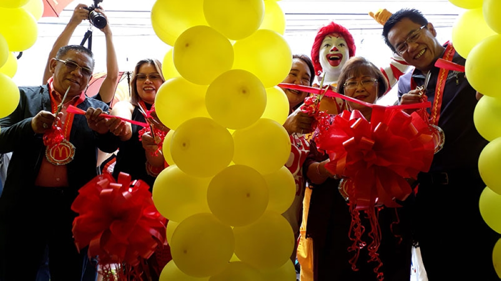 Ribbon Cutting and blessing of the biggest McDonald's branch in Mindanao and Visayas on June 8 in El Salvador City. Present in the event were McDonald's Franchisee and President of the Divine Mercy Foundation in Mindanao Paquita Adaza, Misamis Oriental Governor Yevgeny Emano, McDonald's Philippines Vice President Margot Torres, and El Salvador City Mayor Edgar Lignes. (Jo Ann Sablad)