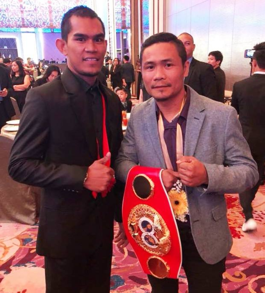 "Aston Palicte of Bago City and Murcia's Donnie ""Ahas"" Nietes are set for the face-off for the vacant World Boxing Organization World Super Flyweight title on August 18, 2018 in Cebu City. (Guy Taylor Photo)"
