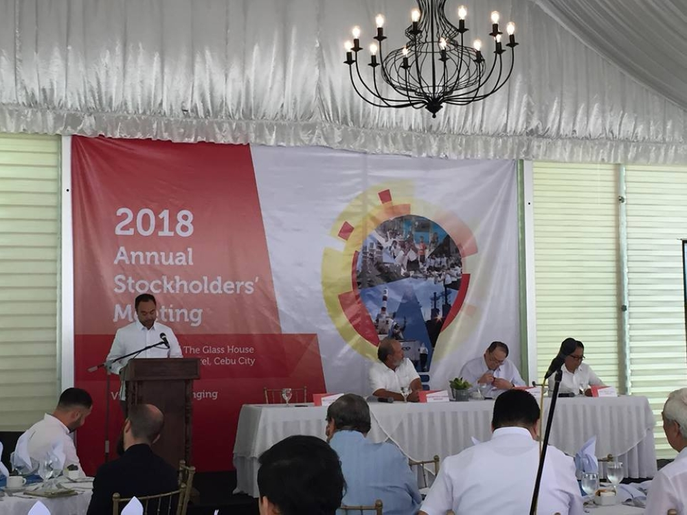CEBU. Arlo Sarmiento, Vivant Corporation EVP/COO, gives his report during the company's stockholders meeting Thursday, June 21 in Cebu City. (MVI/SunStar Philippines)