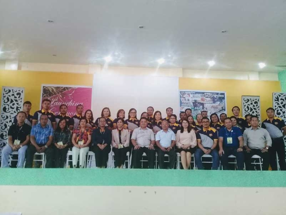 LEYTE. Leyte education officials pose for a souvenir photo during the launching of the 1st instructional manuals for the Technology and Livelihood Education subjects on June 20, 2018 at the division gymnasium. (Ronald O. Reyes)