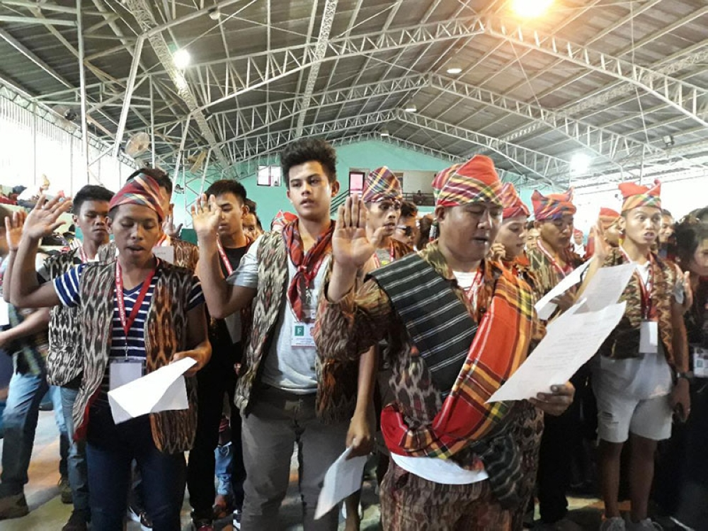 SOUTH COTABATO. Participants from different tribes take their oath of sportsmanship. (Marianne L. Saberon-Abalayan)