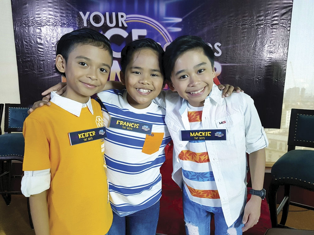 """Every perfor-mance from the TNT Boys is sure to entertain. Left photo shows the trio imitating the Bee Gees. The real Bee Gees thanked the TNT Boys on social media since """"imitation is the sincerest form of flattery."""" (Fotos/Wordpress)"""