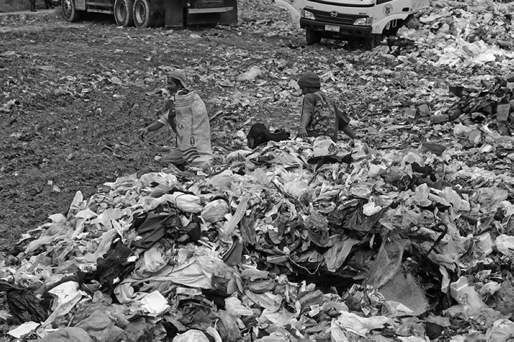 BAGUIO. As Baguio City races against time to look for a suitable site for its solid waste facility, garbage at the transfer station in Tuba, Benguet continues to pile up. (Photo by Milo Brioso)