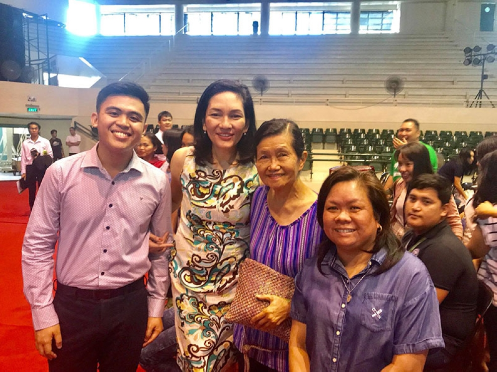 Senator Risa Hontiveros (second from left), principal author of the Philippine Mental Health Act of 2016, and Youth for Mental Health Coalition founder RJ Naguit (left), during their visit in Bacolod City months ago to advocate for the Mental Health Bill