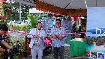 BIMP-EAGA. Malaysian Envoy Rizany Irwan Bin Muhamad Mazlan and Governor Anthony del Rosario lead the launching of the exhibits of the BIMP-Eaga Tourism Expo, which is a highlight of the 51st Araw ng Davao del Norte. (Photo contributed by Davao del Norte)