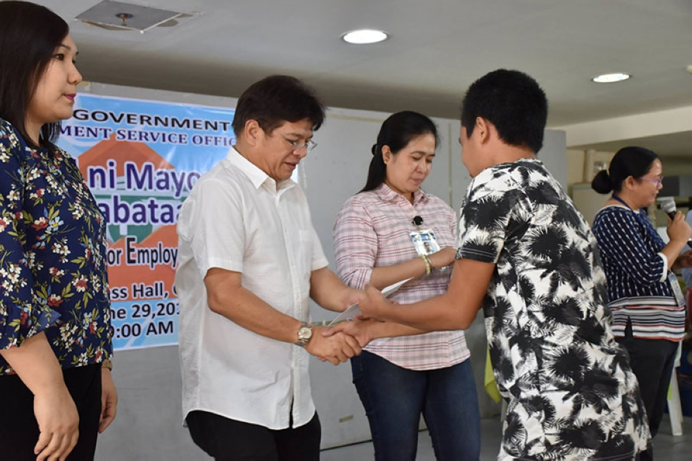 ILOILO. A total of 144 beneficiaries of Special Program for the Employment of Students (SPES) of Iloilo City Government received their salary recently. (Iloilo City Government Facebook Page)