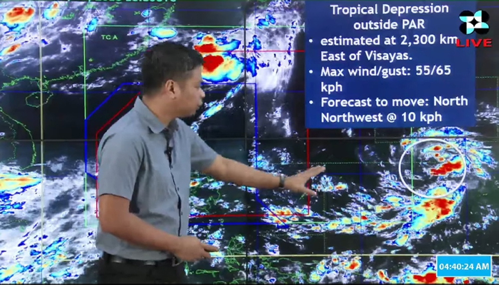 MANILA. Pagasa Senior Weather Specialist Chris Perez points to the location of the tropical depression spotted off eastern Visayas. (Photo grabbed from Pagasa-DOST website)