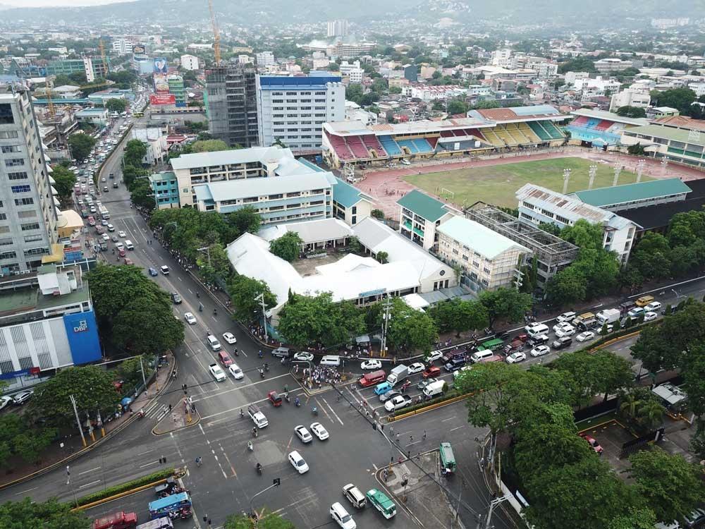 N. Bacalso Ave. (left) & Osmeña Blvd. (Allan Cuizon/SunStar Cebu)