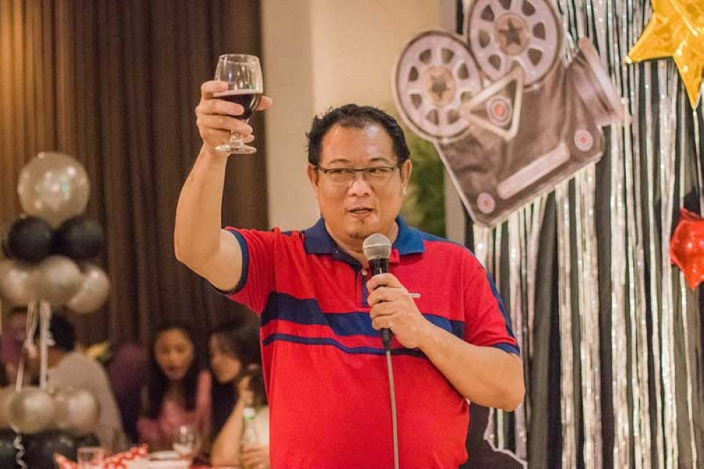 Kasadya's Rhoderick Samonte raising a toast and well wishes