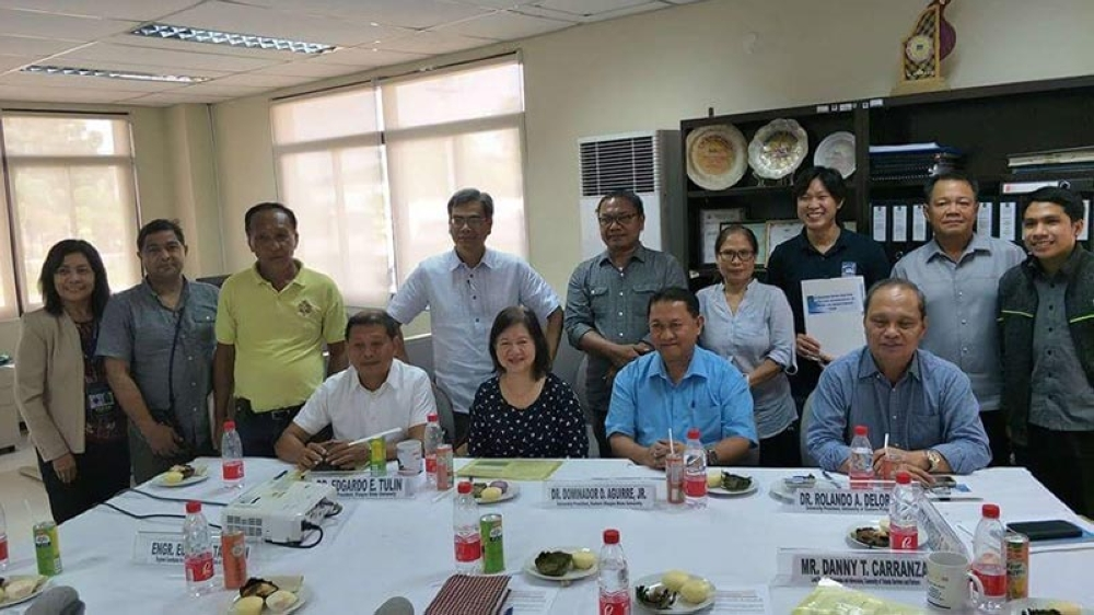LEYTE. Community of Yolanda Survivors and Partners (CYSP) Lead Person for Campaigns and Advocacy Danny Carranza signed the memorandum of agreement (MOA) on July 11, 2018, in the presence of National Economic and Development Authority Eastern Visayas Regional Director Bonifacio Uy and other partner agency officials. The MOA paves the way for the group to become an official partner in monitoring Yolanda-related government programs and projects in Eastern Visayas. (Photo courtesy of CYSP)