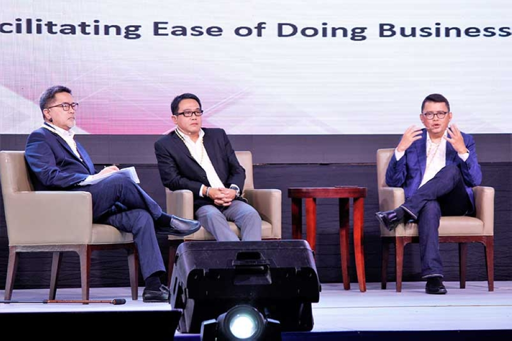 PAMPANGA. Presidential Adviser for Entrepreneurship and National MSME Development Council Vice Chair Joey Concepcion (R) served as one of the panelists during a session on Business Climate of the National MSME Summit 2018. Attended by about 800 stakeholders, it seeks to prepare MSMEs for the Fourth Industrial Revolution otherwise known as the digital economy. (Cherie Joyce V. Flores)