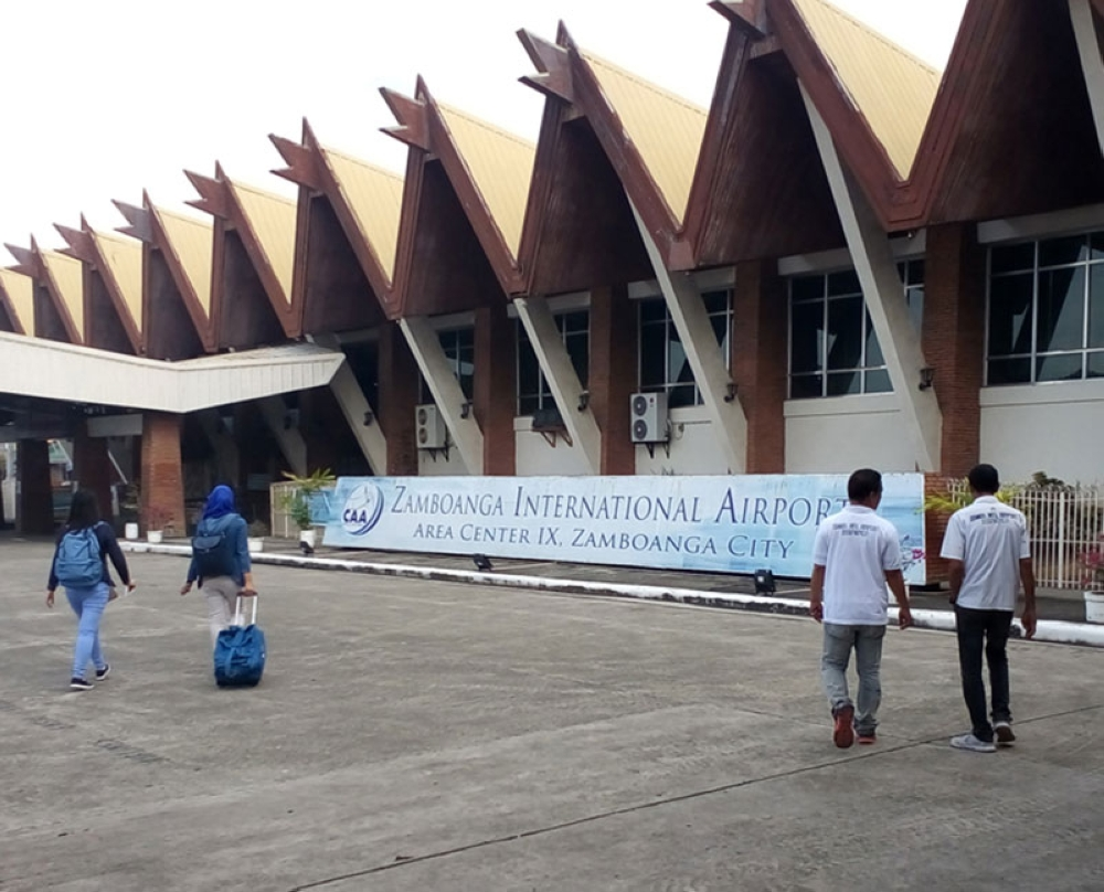 ZAMBOANGA. The Zamboanga International Airport is soon to be transferred to a new location in Mercedes from the Moret field. (Photo by Bong Garcia)