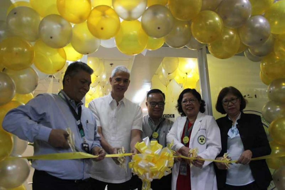 CLMMRH chief Dr. Julius Drilon (left) leads the inauguration rites of the Magnetic Resonance Imaging complex and mental health unity Tuesday, with Negros Occidental Vice Governor Eugenio Jose Lacson (second from left). (PIA Negros Occidental)