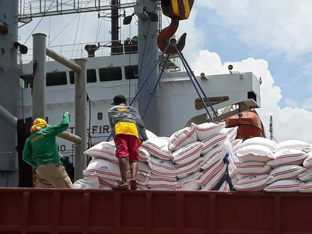 BACOLOD. A portion of the 80,000 bags of imported rice allocation for Negros Occidental being unloaded at the Bredco Port in Bacolod City. (NFA-Negros Occidental Photo)