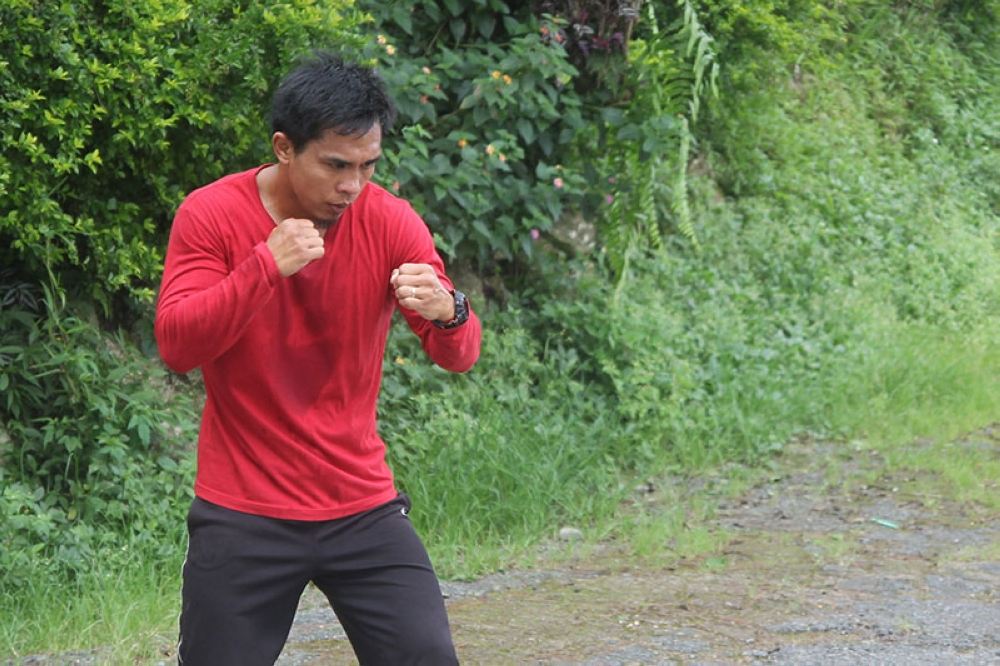 BAGUIO. Team Lakay's Kevin Belingon envisions his fight against Martin Nguyen on July 27 while shadow boxing as part of his training. (Roderick Osis)