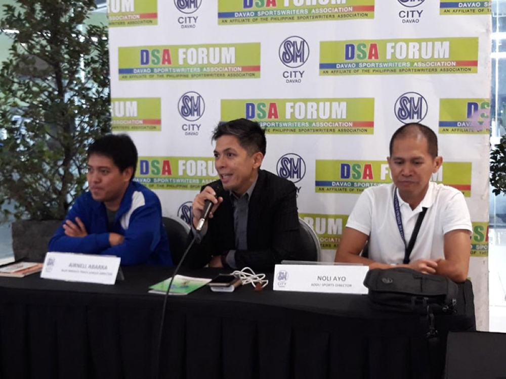 DAVAO. University Athletic Association (Uaap) executive director and basketball commissioner lawyer Rebo Saguisag, center, gives his opening remarks as Ateneo de Davao University sports officials Airnel Abarra and Noli Ayo listen during the Davao Sportswriters Association (DSA) Forum at The Annex of SM City Davao Thursday, July 19, 2018. (Photo by Marianne L. Saberon-Abalayan)