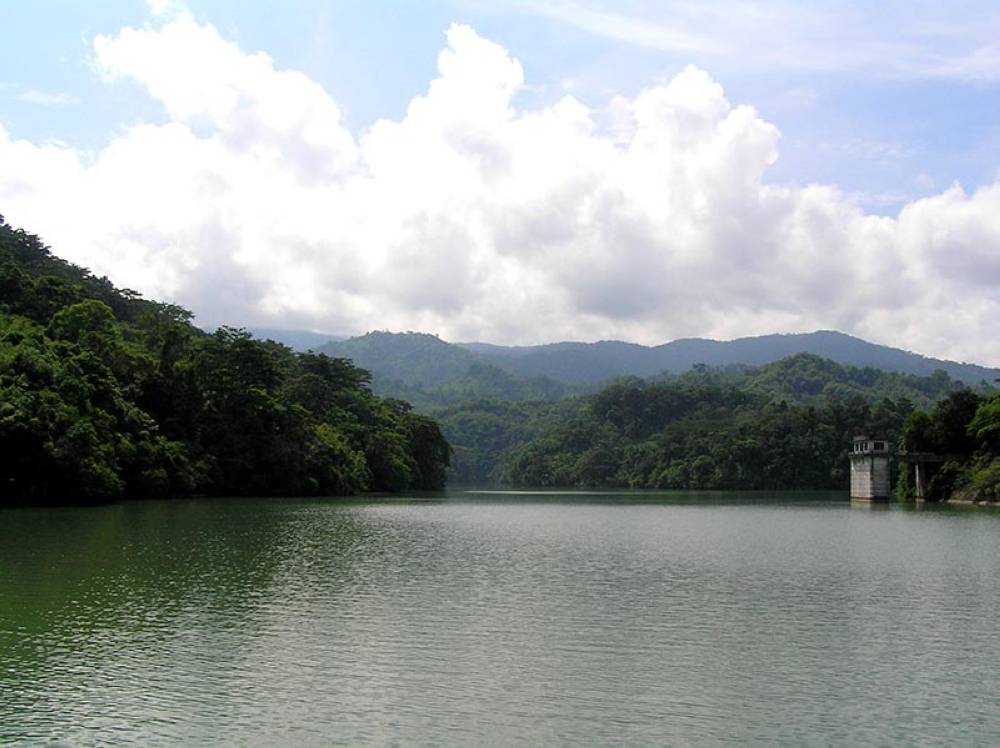 The view of the river at Ipo dam