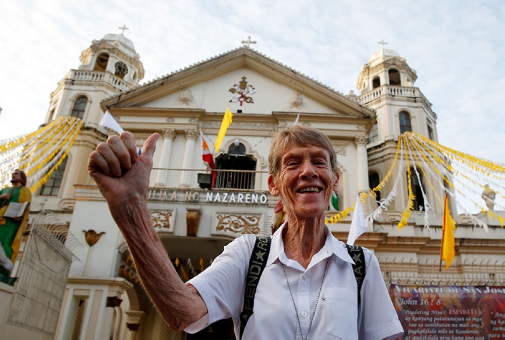 MANILA. In this June 18, 2018, file photo, Australian Roman Catholic nun Sr. Patricia Fox flashes the thumbs up sign as she arrives to attend a mass on the ninth day of the killing of Roman Catholic priest Father Richmond Nilo at the Black Nazarene Basilica in Manila, Philippines. (AP)