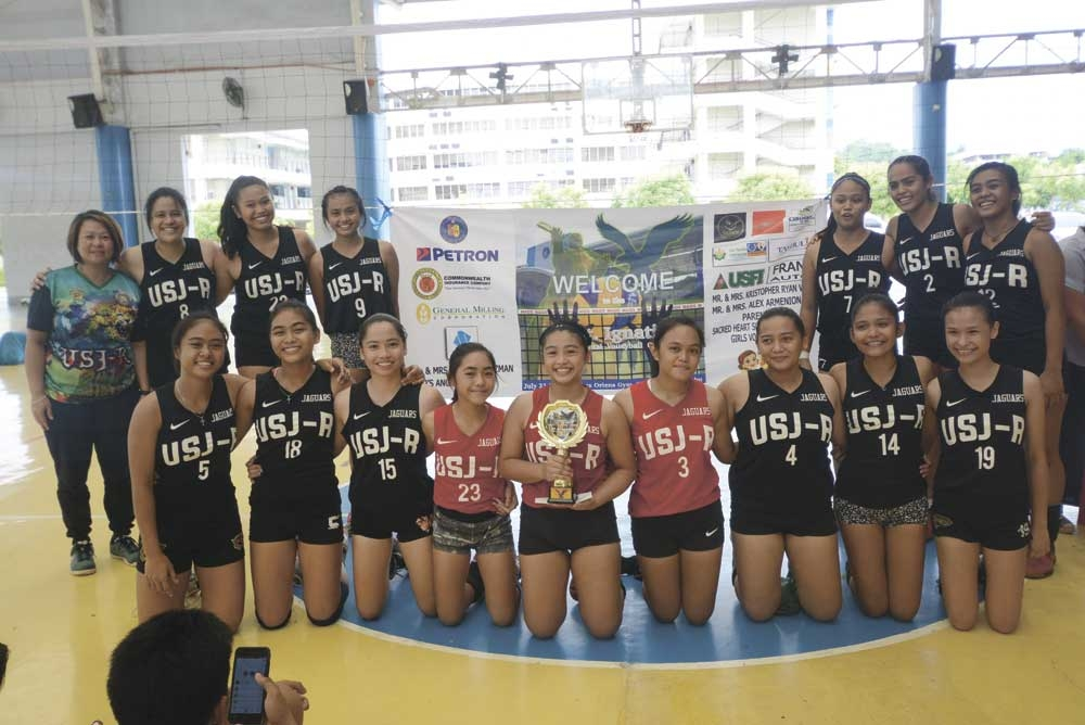 REBUILDING PHASE. USJ-R, which lost a couple of players this season, is off to a great start this school year with a sweep of SHS-Ateneo de Cebu in the 9th Ignatius Cup volleyball tournament. (SunStar foto/Allan Cuizon)