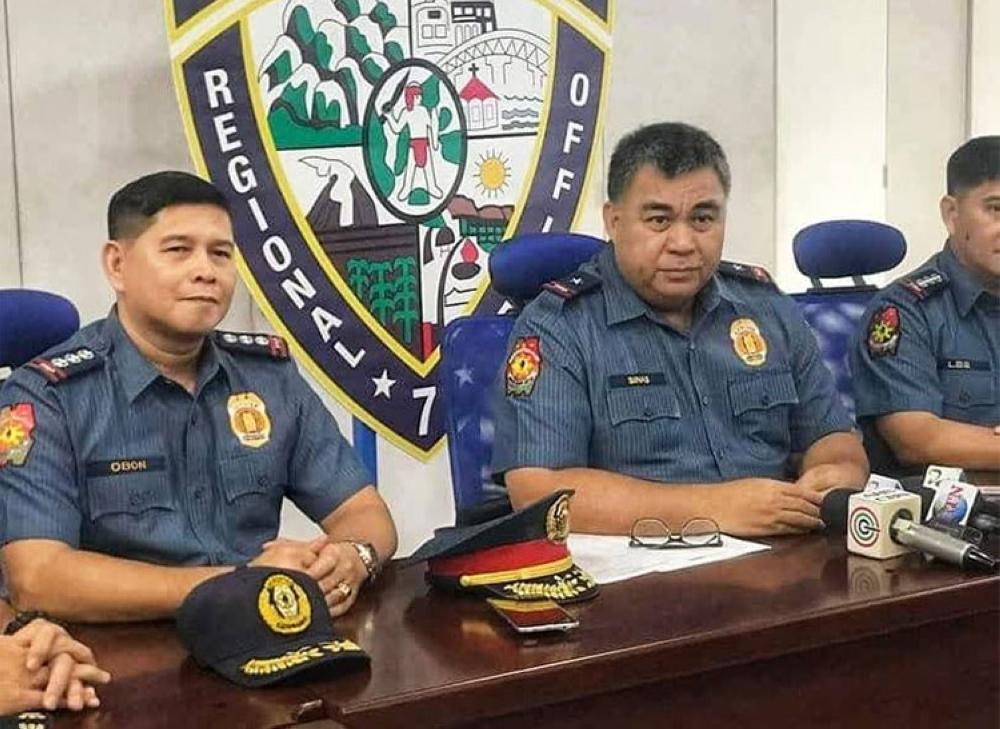 CEBU. Senior Superintendent Lemuel Obon (left) and Police Regional Office (PRO)-Central Visayas Director Debold Sinas. (Photo courtesy of Police Regional Public Information Office-Central Visayas)