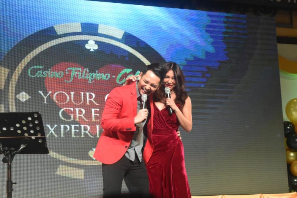 Brian Termulo & Rufa Mae Quinto (SunStar Foto/USJ-R Intern Jerra Librea)