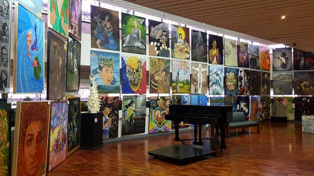 BACOLOD. Collections of artworks that awaken the Filipinos' art appreciation and fascination. (Carla N. Cañet)