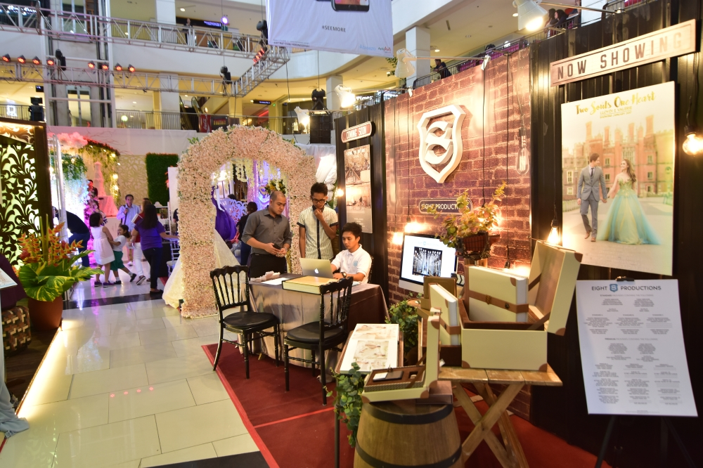 DAVAO. Photographers and videographers cannot miss the special events as people nowadays would want special occasions to be well-documented. (Macky Lim)