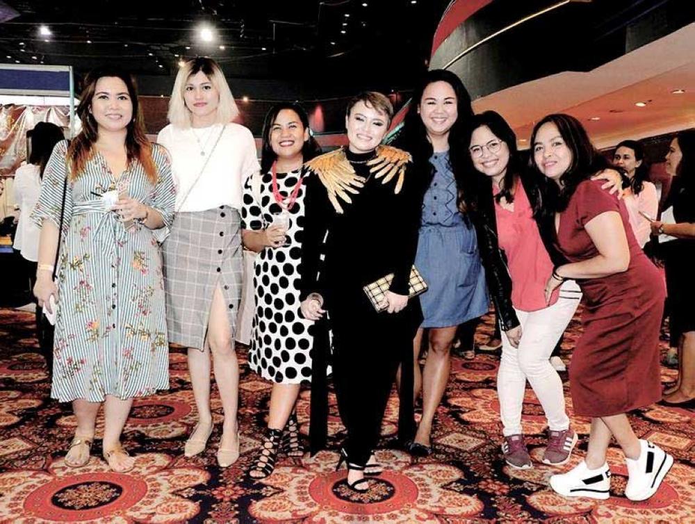 Cassandra Poculan, Ching Sadaya, Manna Alcaraz, Patty Taboada, Hannah Obal, Rei Niñal and Logane Echavez